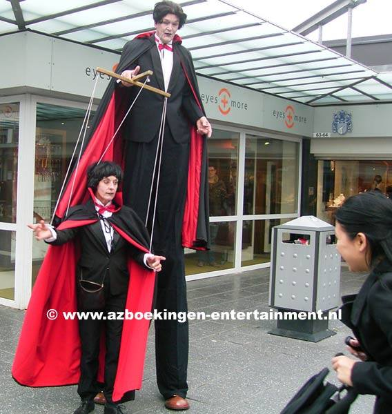 Dracula Marionette op Stelten